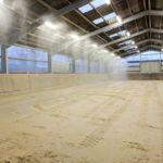 Neuer Boden in der Reithalle RG-Hof-Höherhaus  Stremmer Sand Reithallen-Boden Neuer Reitsand Hallen-Instandhaltung